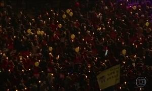 Manifestantes na Coreia do Sul protestam para pedir renúncia da presidente afastada