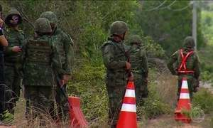 Fuzileiros navais fazem varredura em presídio de Natal (RN)