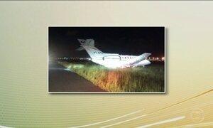 Avião com Aécio Neves faz pouso de emergência