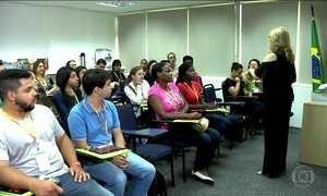 Curso ajuda endividados a planejarem o futuro