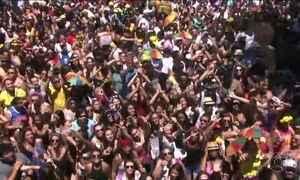 Paulistanos estão nas ruas para curtir o pré-Carnaval de São Paulo