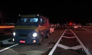 Tentativa de assalto a carros-fortes tem tiroteio e dois presos no interior de São Paulo