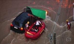 Temporal em São Paulo mata uma pessoa e causa transtornos no trânsito