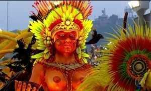 Beija-Flor apresenta desfile dividido em cenas e com várias tribos na Sapucaí
