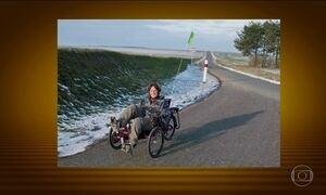 Turista francesa tem triciclo roubado e fica a pé