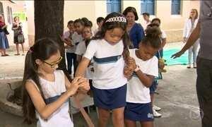 Escolas promovem inclusão de crianças com síndrome de Down