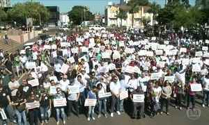 Cerca de 2 mil pessoas se reúnem em apoio a produtores de carne de Chapecó