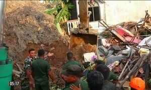 Deslizamento de lixo provoca a morte de várias pessoas no Sri Lanka