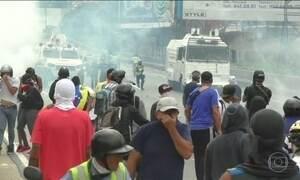 Manifestantes foram às ruas de novo protestar contra o regime chavista de Nicolás Maduro