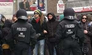 Pessoas protestam na Alemanha contra o partido de extrema-direita AFP