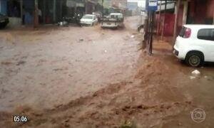 Chuva provoca transtornos para moradores do Distrito Federal