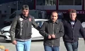 Mais de mil pessoas são presas na Turquia; entre eles religiosos e policiais