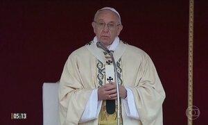 Papa tenta pacificar relação entre muçulmanos e cristãos em visita ao Egito