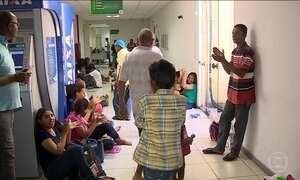 Manifestantes ocupam a prefeitura de Aracaju para reivindicar auxílio-moradia