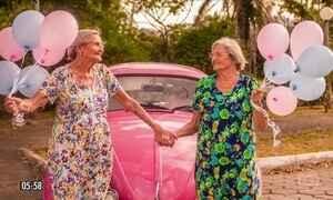 Ensaio fotográfico celebra o centenário das gêmeas Maria e Paulina