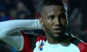 Atlético-PR avança na Libertadores e Flamengo é eliminado