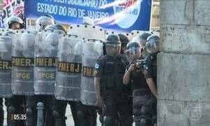 Tumulto marca votação na Assembleia Legislativa no RJ
