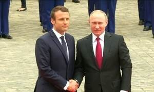Emmanuel Macron recebe Vladimir Putin para falar sobre a guerra na Síria