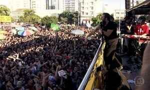 Milhares de manifestantes vão às ruas em SP pedir a saída de Temer