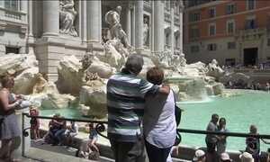 Prefeitura de Roma baixa regras para quem frequenta fontes da cidade