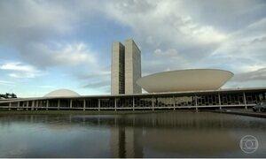 Políticos discutem acabar com recesso em julho à espera de denúncia contra Temer