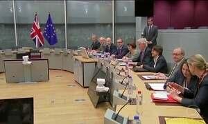 Negociadores britânicos e da União Europeia discutem saída do Reino Unido do bloco