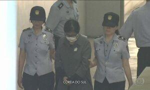 Na Coreia do Sul, mulher que provocou o impeachment da presidente é condenada