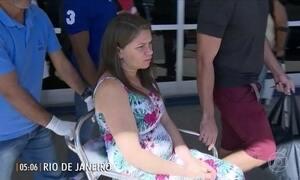 Mãe de bebê atingido por bala dentro da barriga recebe alta no RJ