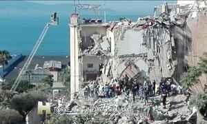 Parte de um prédio desaba em Nápoles, na Itália, e deixa 8 desaparecidos