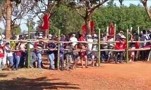Integrantes dos Sem-Terra invadem fazenda da família do ministro da Agricultura