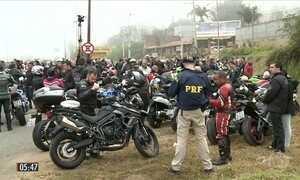 Motociclistas utilizam artimanhas para escapar de radares na Fernão Dias