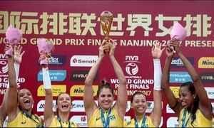 Seleção feminina de vôlei vence a Itália no tie break e conquista o Grand Prix