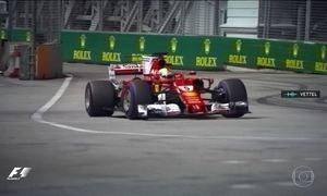Sebastian Vettel larga na frente no GP de Cingapura