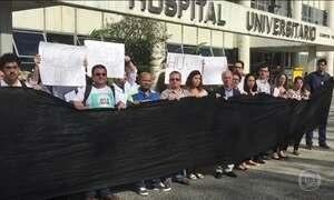 Aumento da violência é alvo de um protesto em frente a hospital da UFRJ