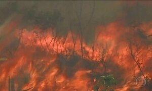 Aumenta o incêndio na Serra da Bocaina