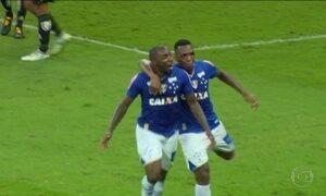 Cruzeiro vira e vence a Ponte Preta no Brasileirão