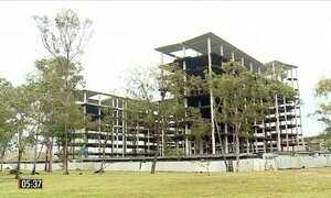 Obras paradas prejudicam estudantes da maior universidade federal do Brasil