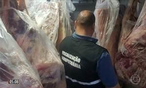 Polícia do RS apreende quase 3,5 toneladas de alimentos impróprios para o consumo