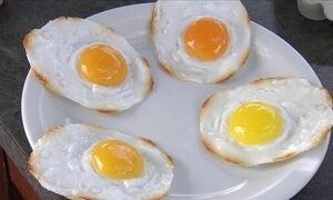 Como fazer para conseguir uma gema do ovo mais alaranjada?