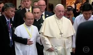 Papa Francisco volta a pedir reconciliação no terceiro dia da visita a Mianmar