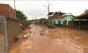 Situação dos moradores de cidades atingidas pela chuva em MG segue crítica