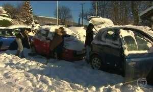 Nevascas provocam caos nos transportes do Reino Unido