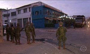 Oitocentos soldados do Exército fazem operação no Complexo da Maré (RJ)