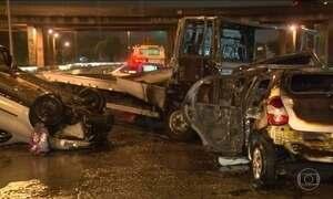 Quatro pessoas morrem em acidente na Avenida Brasil, no Rio de Janeiro