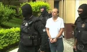 Sérgio Cabral (PMDB) chega ao Complexo Médico Penal de Pinhais (PR)