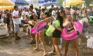 Blocos de carnaval atraem milhares de foliões pelo Brasil neste domingo (28)
