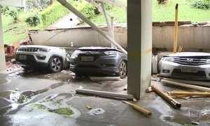 Em Brasília, laje de prédio desaba e destrói mais de 20 carros