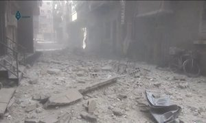 Bombardeios na Síria matam dezenas de crianças