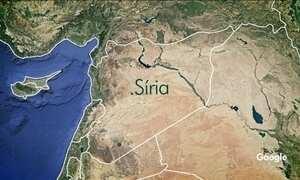 Bombardeios da coalizão liderada pelos Estados Unidos mataram 100 combatentes na Síria