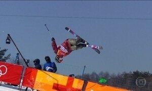 Campeã e última colocada são destaques do esqui halfpipe feminino da Olimpíada de Inverno